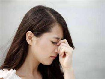 生活中哪些坏习惯会加重老年人的失眠