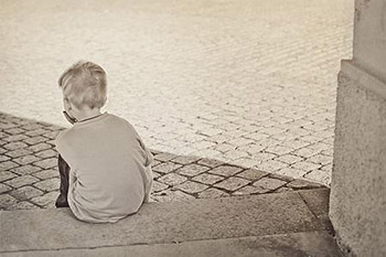 自闭症是又哪些原因构成的